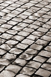 Vecchia strada medioevale del ciottolo del granito Fotografia Stock Libera da Diritti