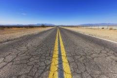 Vecchia strada principale della traccia dello Spagnolo, Nevada, U.S.A. immagine stock