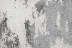 Vecchia struttura bianca della parete con incrinato e sbucciato nello stile d'annata per l'opera d'arte di progettazione e del fo fotografia stock
