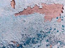 Vecchia struttura blu stracciata della parete del gesso immagine stock libera da diritti
