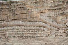 Vecchia struttura di legno della plancia sul Sun attenuato immagini stock libere da diritti