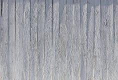 Vecchia struttura di legno dipinta bianca del fondo con parall verticale Immagini Stock Libere da Diritti