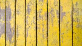 Vecchia struttura di legno gialla delle plance Priorità bassa dell'albero batten Fotografie Stock Libere da Diritti