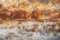 Vecchia superficie della lamina di metallo coperta di vecchio fondo di struttura della pittura Fotografia Stock