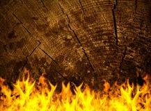 Vecchia superficie di legno su fuoco Fotografie Stock Libere da Diritti