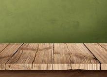 Vecchia tavola di legno con fondo scuro Fotografia Stock Libera da Diritti