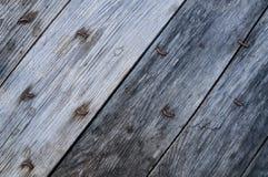 Vecchia tavola di legno in giardino Fotografia Stock Libera da Diritti