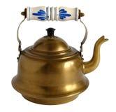 Vecchia teiera d'ottone con la maniglia della porcellana Fotografie Stock