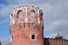 Vecchia torre del monastero di Don Icon a Mosca Immagini Stock Libere da Diritti