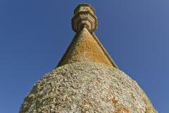 Vecchia torre della fortezza Vista di angolo basso Fotografia Stock Libera da Diritti