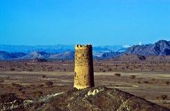 Vecchia torretta della fortezza in Al Mudayrib fotografie stock libere da diritti