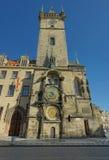Vecchia torretta di orologio del corridoio di città di Praga Immagini Stock