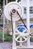 Vecchia trasmissione a cinghia e della puleggia Immagine Stock