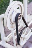 Vecchia trasmissione a cinghia e della puleggia Fotografia Stock
