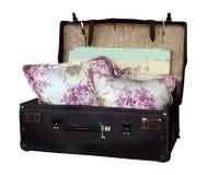 Vecchia valigia con gli ammortizzatori Immagine Stock Libera da Diritti