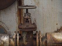Vecchia valvola indossata in fabbrica Immagini Stock