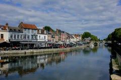 Vecchia via nella città di Amiens Francia fotografia stock libera da diritti