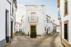 Vecchia via in Valencia de Alcantara, Caceres immagine stock libera da diritti