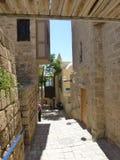 Vecchia via vicino al porto marittimo in Giaffa fotografie stock
