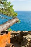 Vecchia vista del mare e del cannone Fotografia Stock