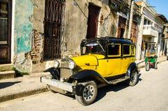 Vecchie automobili Fotografie Stock Libere da Diritti