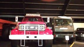 Vecchie automobili al museo dell'automobile a Abu Dhabi fotografie stock libere da diritti
