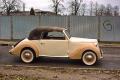 Vecchie automobili dell'annata. Fotografie Stock Libere da Diritti