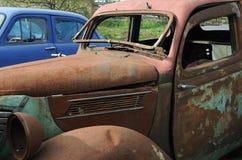 Vecchie automobili nel Junkyard Fotografie Stock