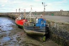Vecchie barche al porto di Howth Immagini Stock Libere da Diritti