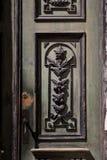 Vecchie belle porte di legno scolpite Immagini Stock Libere da Diritti