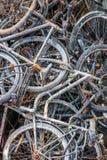 Vecchie bici/biciclette arrugginite fotografie stock