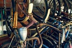 Vecchie biciclette arrugginite Fotografia Stock
