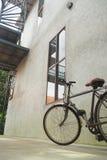 Vecchie biciclette parcheggiate Fotografia Stock