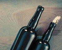 Vecchie bottiglie di vetro immagini stock libere da diritti
