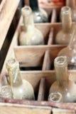 Vecchie bottiglie di vino vuote Fotografia Stock