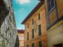 Vecchie Camere nel villaggio San Sebastian di Pasajes Fotografia Stock