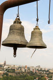 Vecchie campane di chiesa tradizionali gemellate Immagine Stock Libera da Diritti