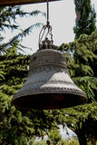 Vecchie campane di chiesa tradizionali gemellate Fotografia Stock