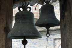 Vecchie campane ortodosse del monastero del san Dionysius fotografia stock