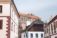 Vecchie case del villaggio di Cesky Krumlov Immagini Stock Libere da Diritti
