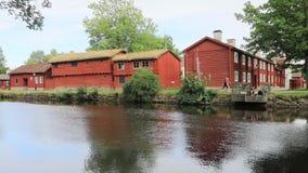 Vecchie case di legno nel quarto di Wadkoping, Orebro video d archivio
