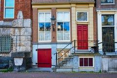 Vecchie case medievali a Amsterdam, Paesi Bassi Fotografie Stock Libere da Diritti