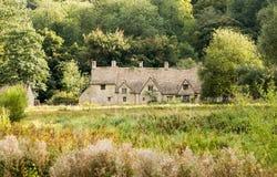 Vecchie case nel distretto di Cotswold dell'Inghilterra Fotografie Stock Libere da Diritti