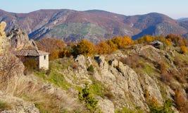 Vecchie case nella montagna bulgaria Fotografia Stock