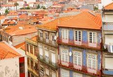 Vecchie case nella parte storica della città, Oporto Immagini Stock Libere da Diritti
