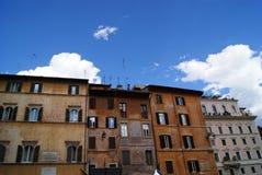Vecchie case variopinte tipiche vedute nell'area di Trastevere a Roma Fotografia Stock Libera da Diritti