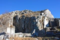 Vecchie cave dell'estrazione di marmo fotografie stock