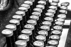 Vecchie chiavi della macchina da scrivere Immagini Stock
