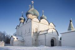 Vecchie chiesa e cattedrale della natività in Suzdal Fotografia Stock Libera da Diritti