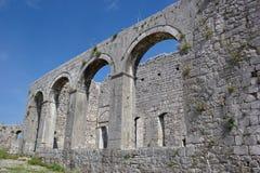 Vecchie chiesa e moschea, fortezza Rozafa, Shkoder, Albania Immagini Stock Libere da Diritti